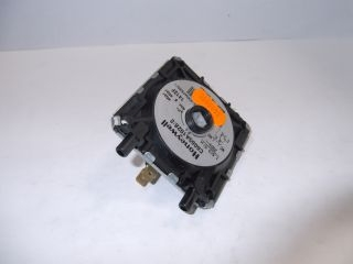3480890 Powrmatic 146522170 Pressure Switch C6065A 1028 (Fits On Burner) 146522170